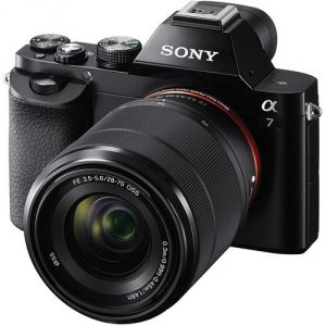 FOTOCAMERA DIGITALE MIRRORLESS SONY ILCE7KB + SEL2870MM F3.5-5.6 OSS BLACK