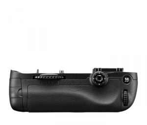 IMPUGNATURA BATTERY GRIP NIKON MULTI-POWER BATTERY PACK MB-D14
