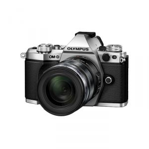 FOTOCAMERA MIRRORLESS DIGITALE OLYMPUS E-M5 MARK II SILVER + EZ-M14150 II BLACK